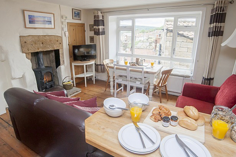10. Yarra House   Baytown Holiday Cottages   Robin Hood's Bay png