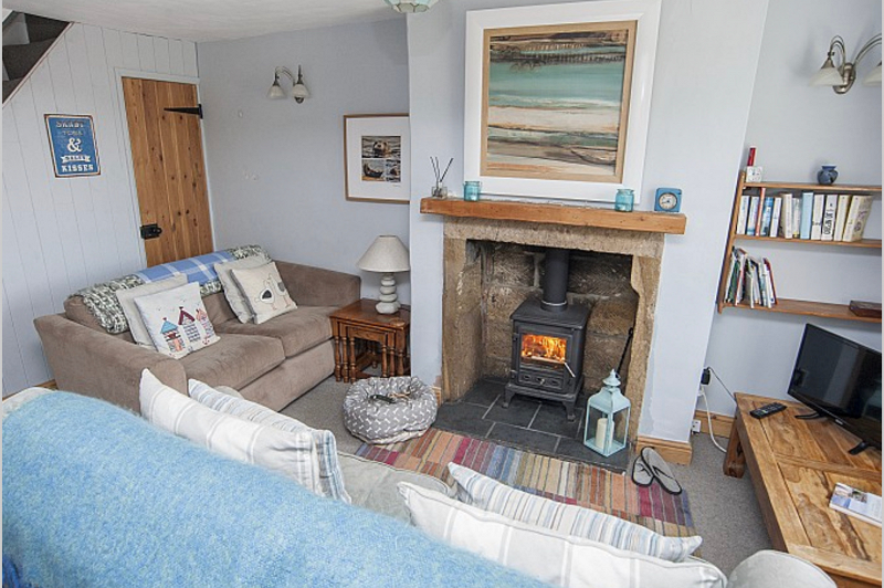 6. Orchard Cottage  Baytown Holiday Cottages   Robin Hood's Bay png