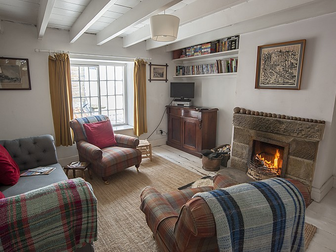 Coach House Cottage - Robin Hood's Bay